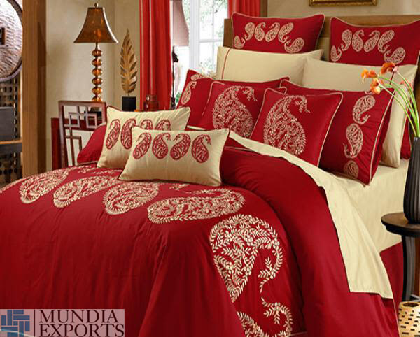 Mundia Exports Comforters